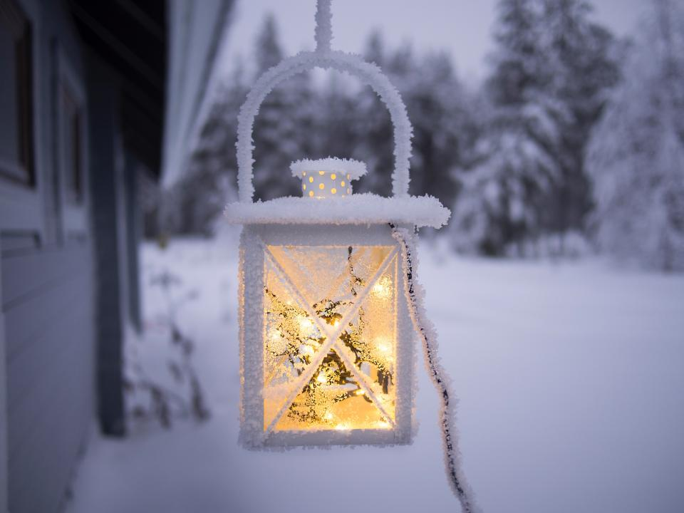 outdoor outside snow winter light lamp lantern electricity wire blur