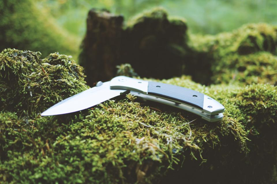 knife camping hiking trekking outdoors woods forest wilderness tools blade sharp