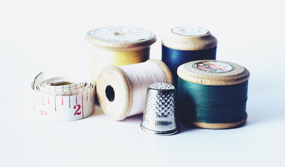 sewing cotton thread vintage old thimble tape measure measuring tape crafts hobbies dressmaking diy