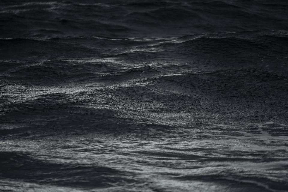 ocean sea water waves black and white