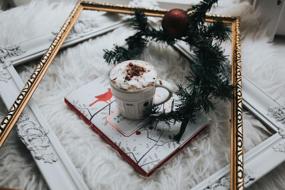 coffee cappuccino art steamed milk cup saucer book frame christmas tree ball ornament decoration design