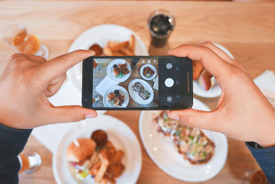 food plate restaurant breakfast lunch dinner mobile phone camera touchscreen photography selfie