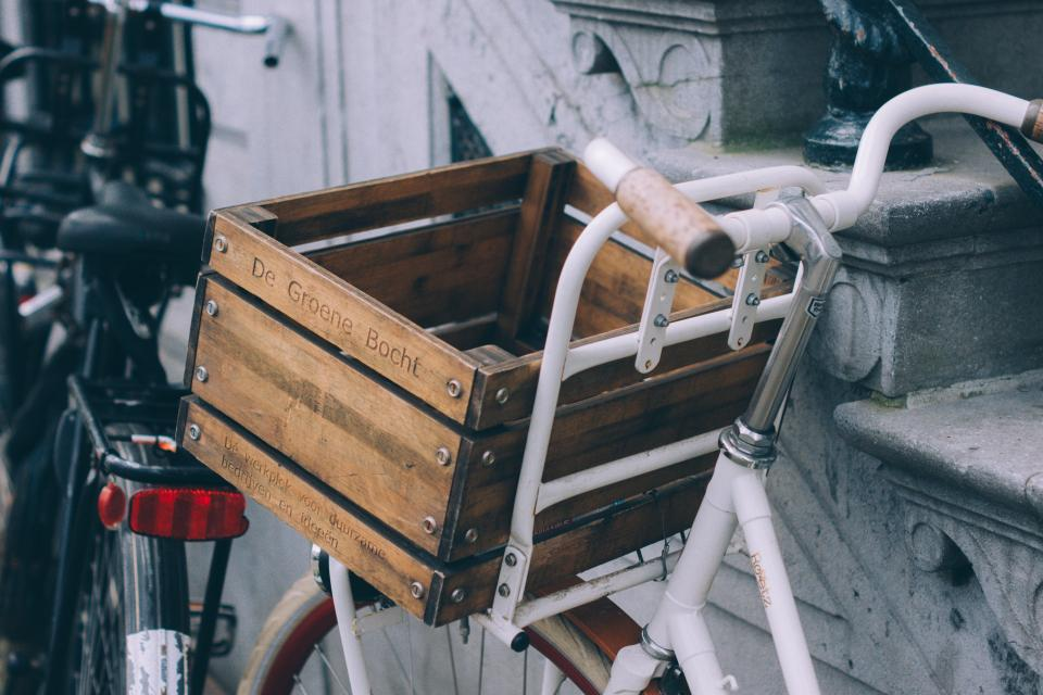 bikes bicycles basket crate