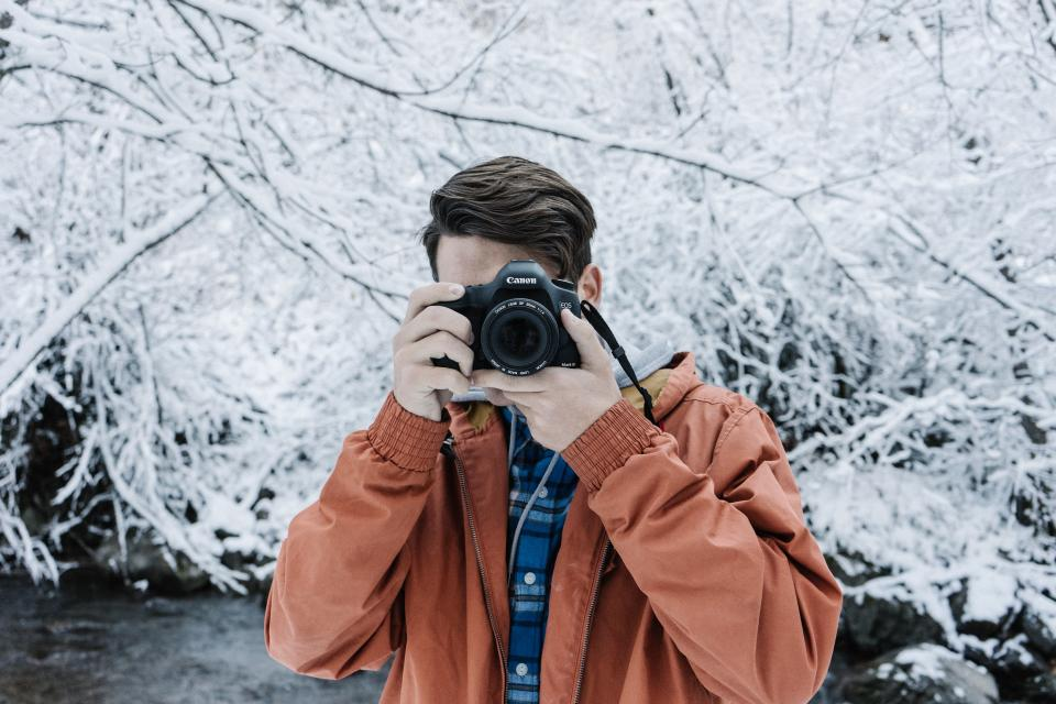 people man photographer photography canon camera lens kit dslr picture photo snow winter cold weather trees white