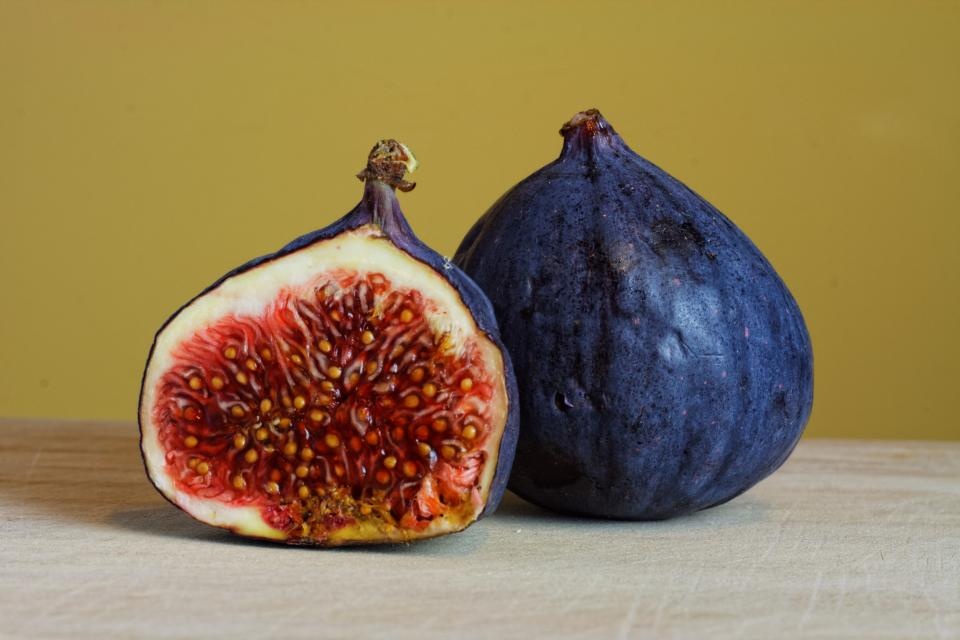 figs fruits food healthy
