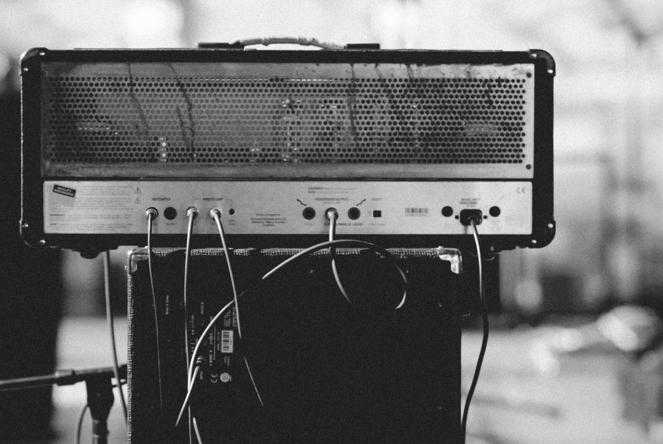 amplifier black and white music