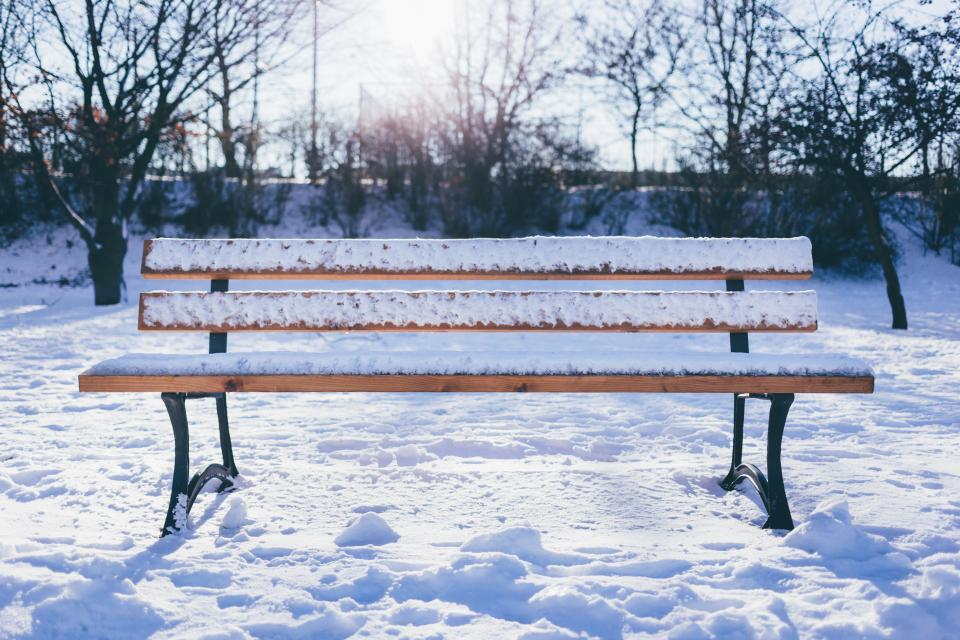 bench outdoor snow