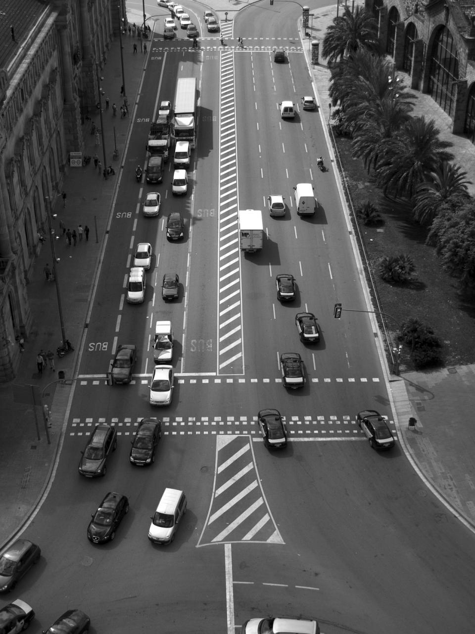 black and white barcelona traffic