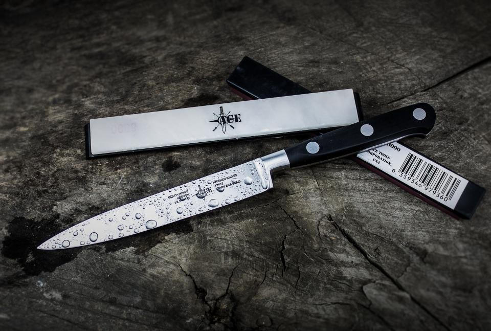 black and white knife blade