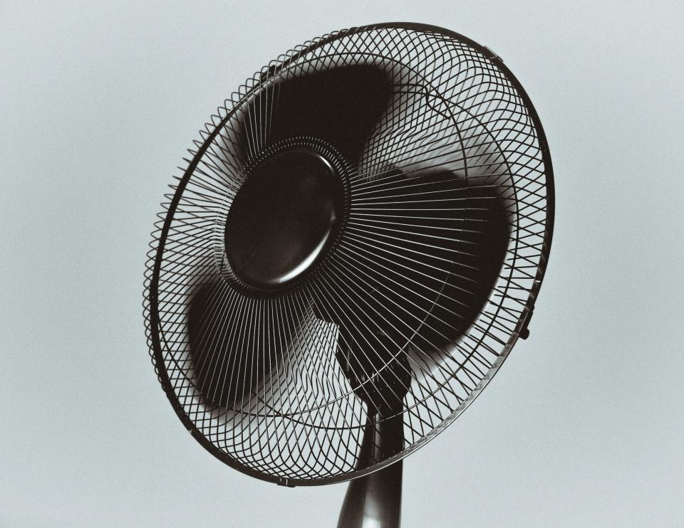 black fan air