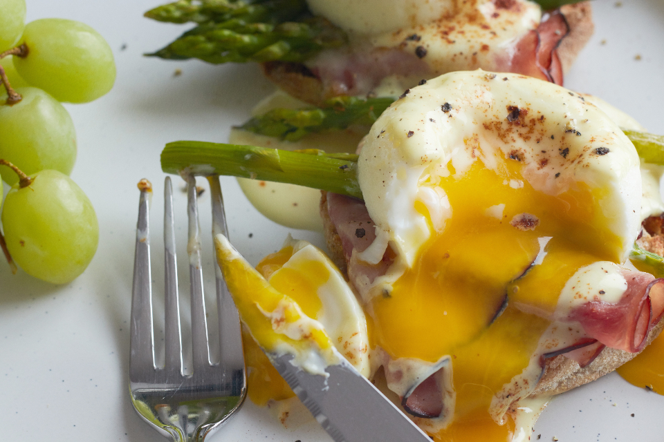 breakfast eggs plate