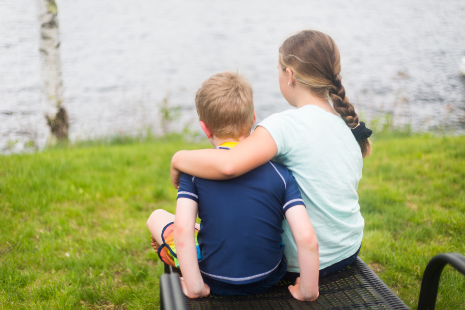 Free stock photo of brother sister