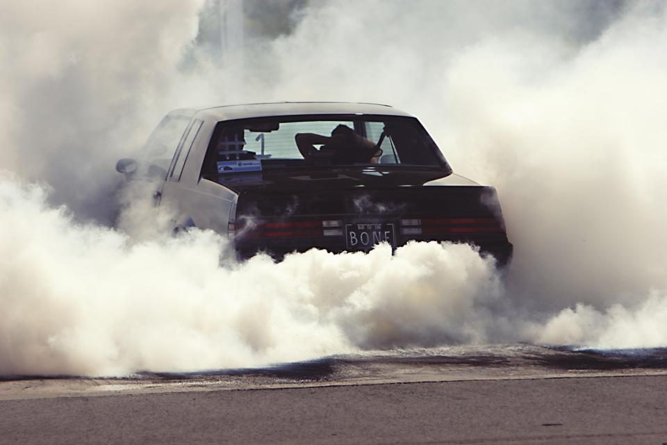 burnout car drag