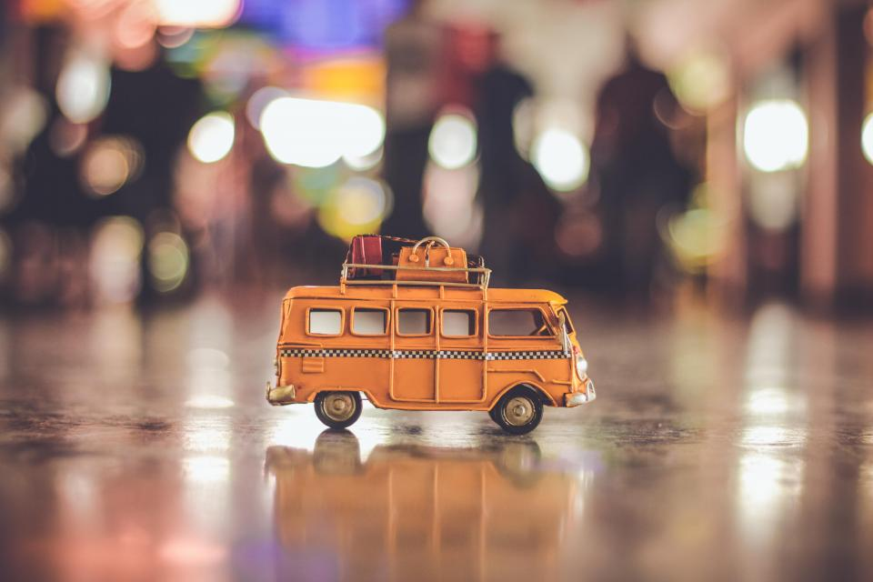 bus vehicle toy