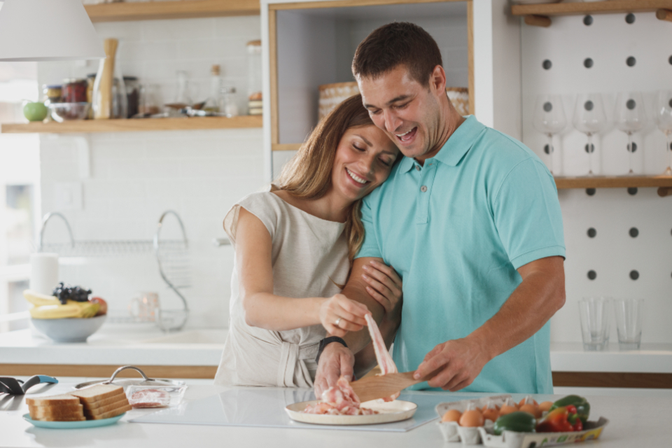 Free stock photo of couple cooking