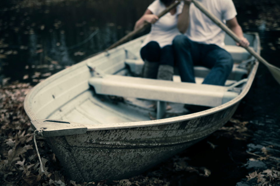 Free stock photo of couple rowing