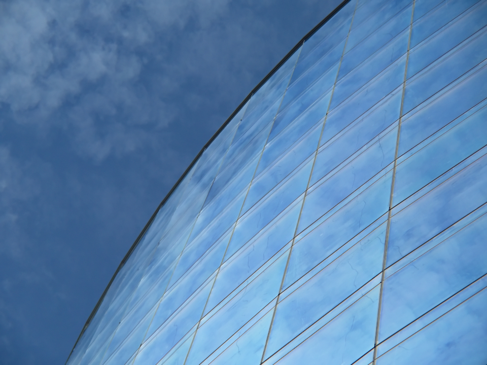 curved building perspective