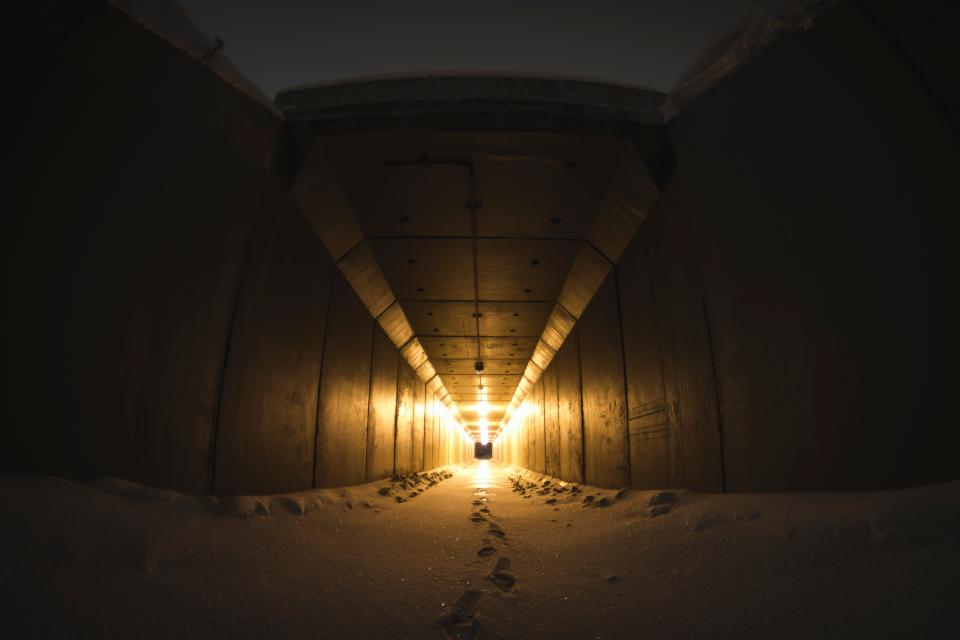 dark tunnel lights