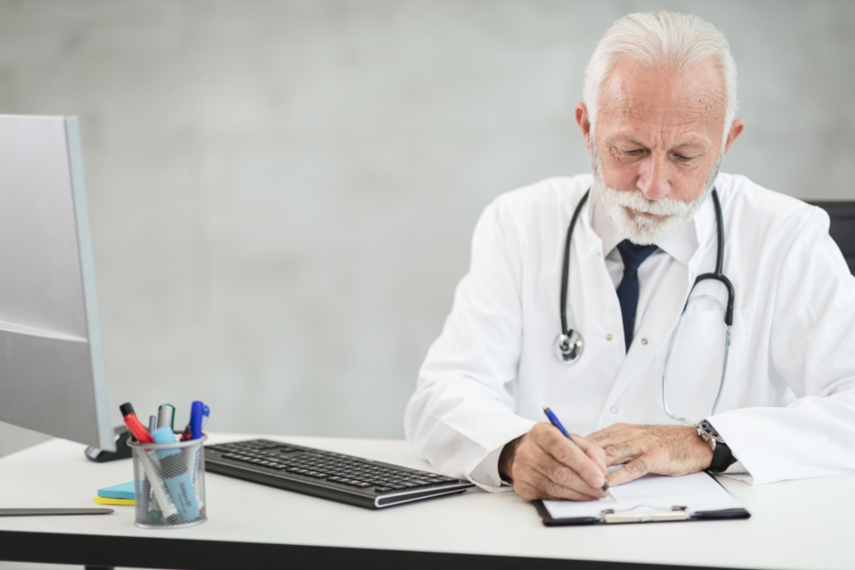 Free stock photo of doctor working
