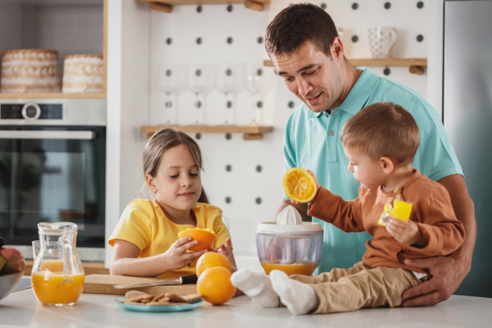 Free stock photo of family breakfast