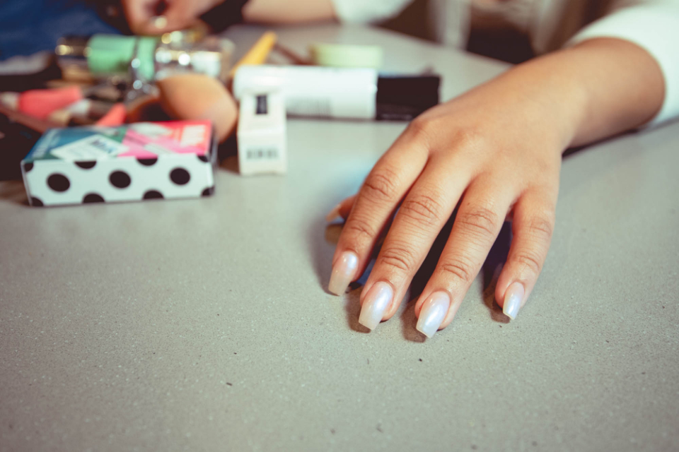 female nails hands