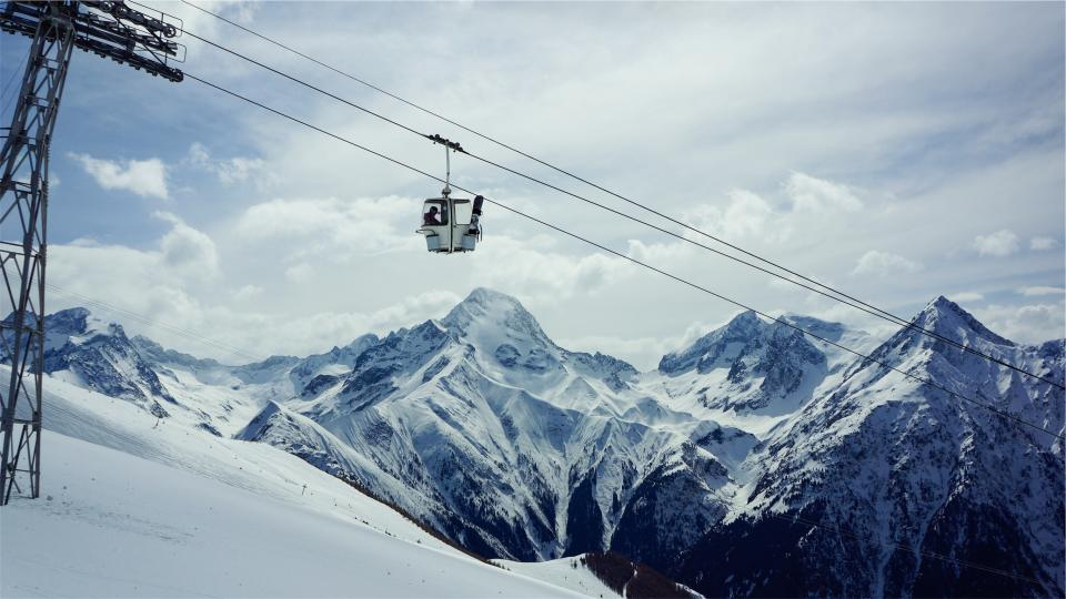 Free stock photo of gondola lift snowboarding