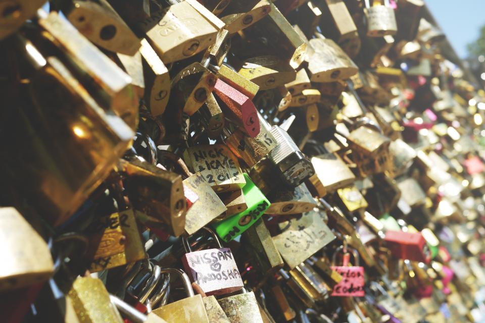 love locks hearts