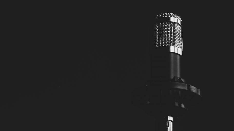 microphone music black and white