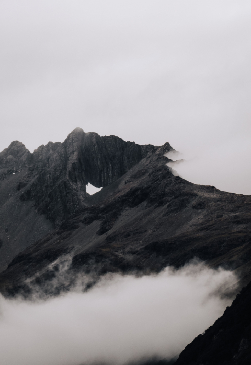 misty mountain clouds
