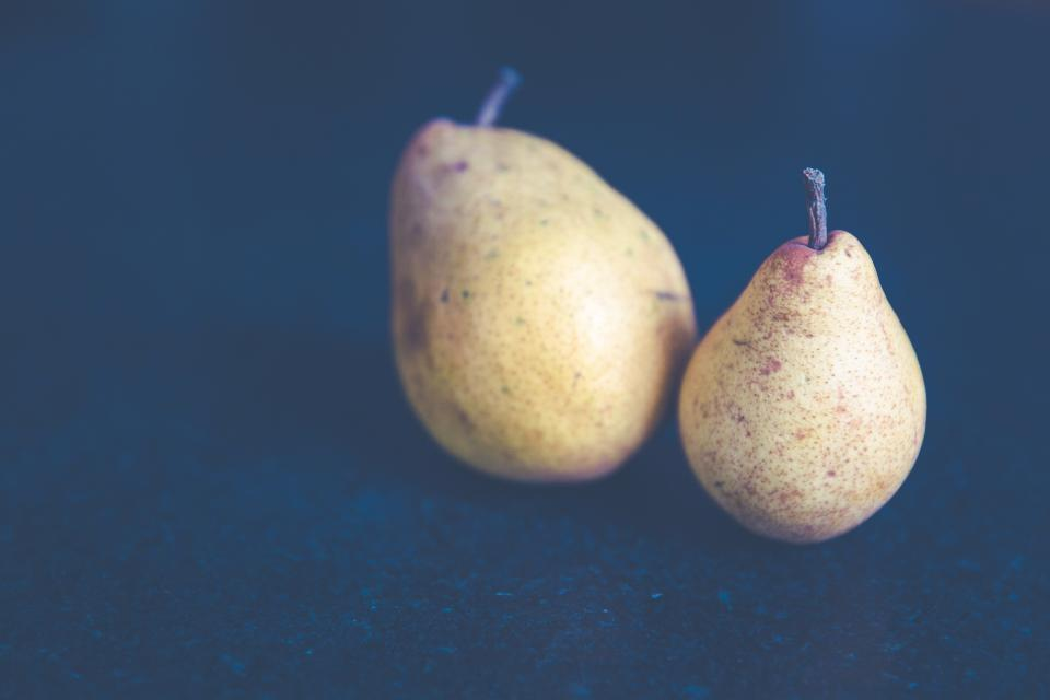 pears fruit juicy