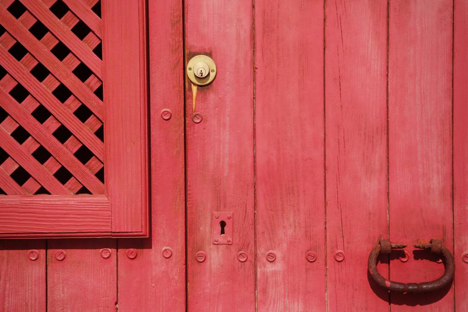 red door keyhole