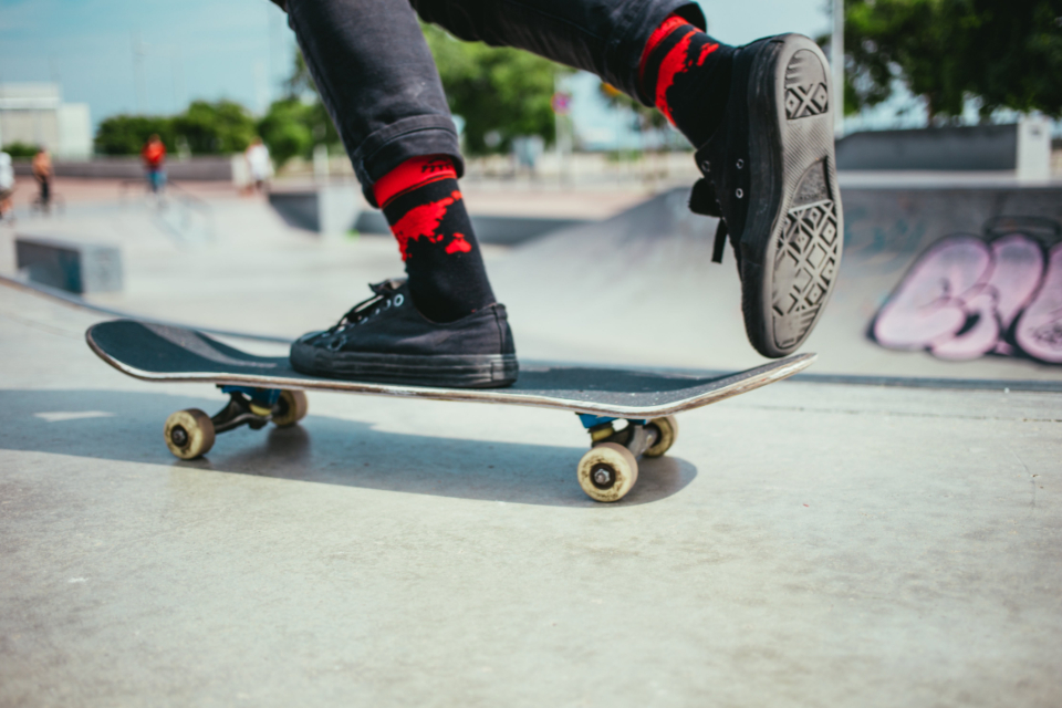 Free stock photo of skateboarder shoes