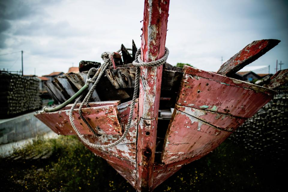 things boat wreckage