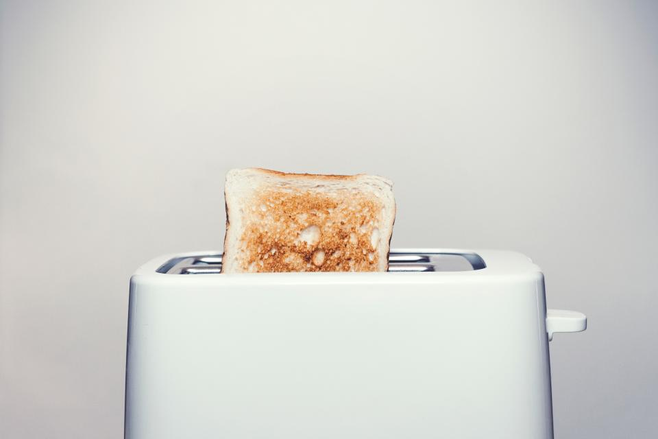 Free photo of toaster toast