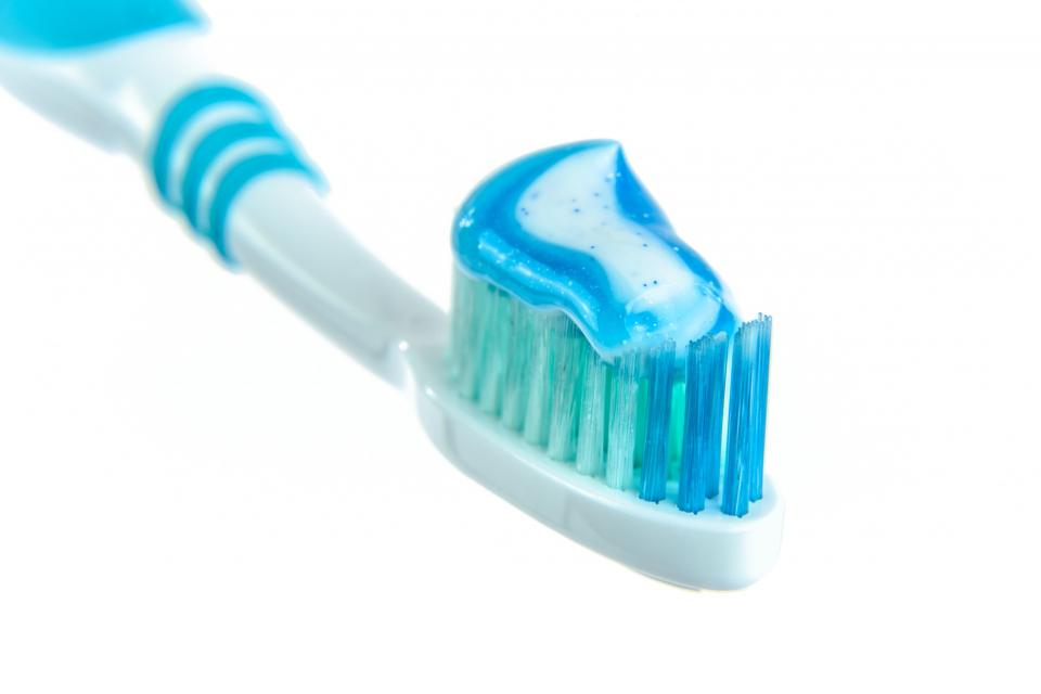 toothbrush toothpaste blue