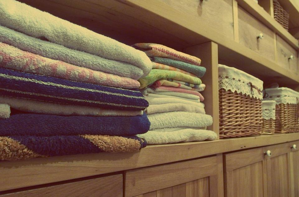 Free stock photo of towels dresser