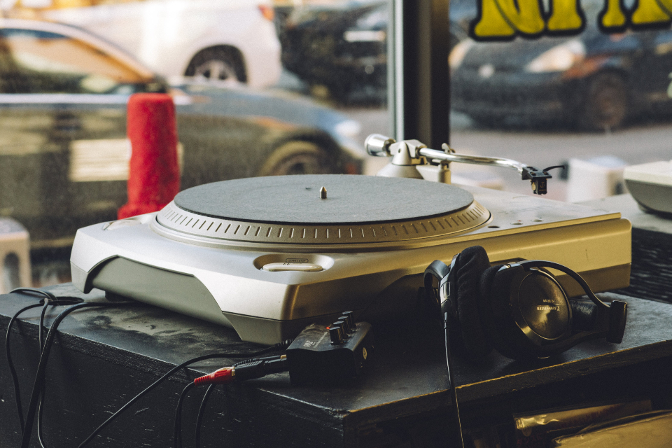 turntable vintage music