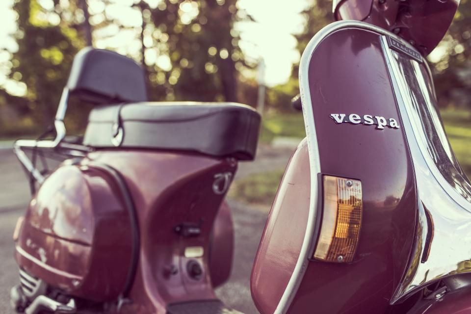 vespa scooter moped