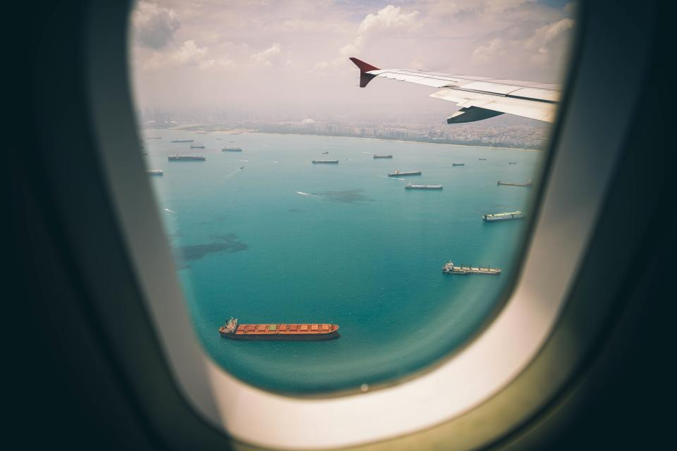 window airplane airline