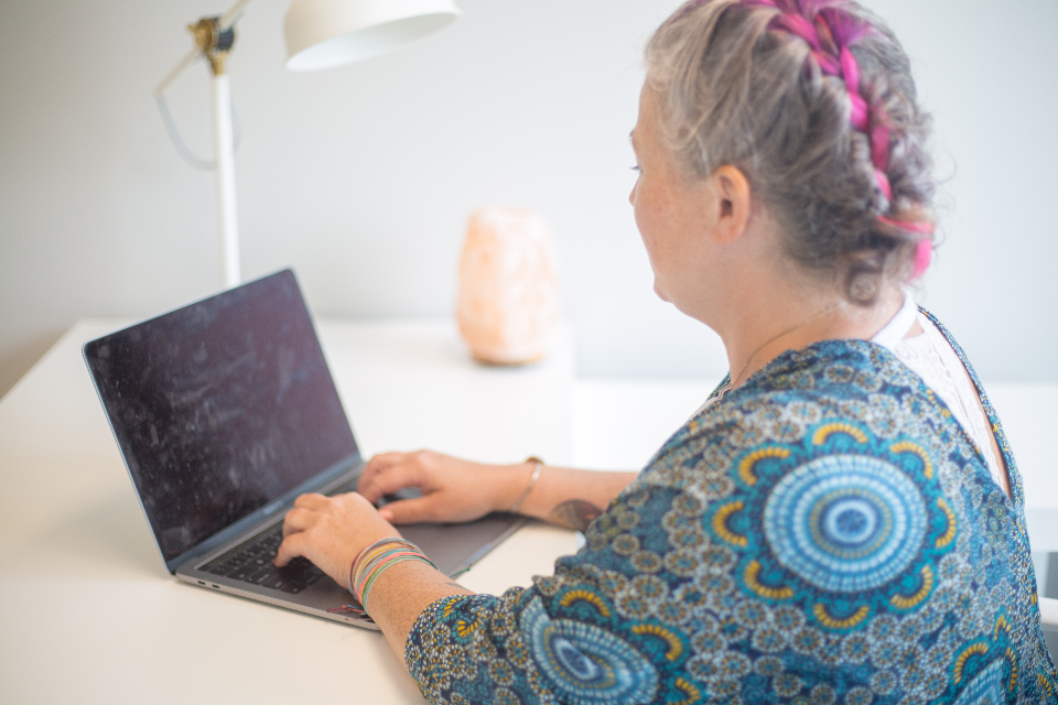 Free stock photo of woman working